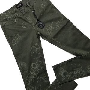 ◇ Black Orchid Army Green Print Jeans
